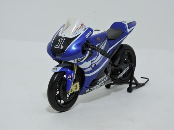 Miniatura New Ray Yamaha R1 Jorge Lorenzo #1