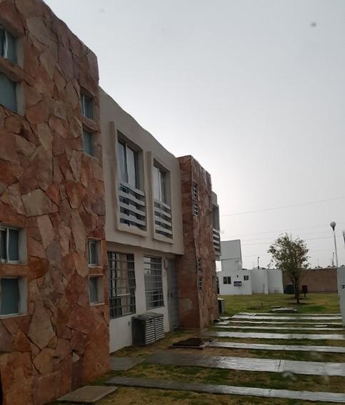 Renta De Casa Semiamueblada Zona Vw
