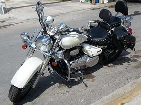 Moto Susuki Boulevard 2006
