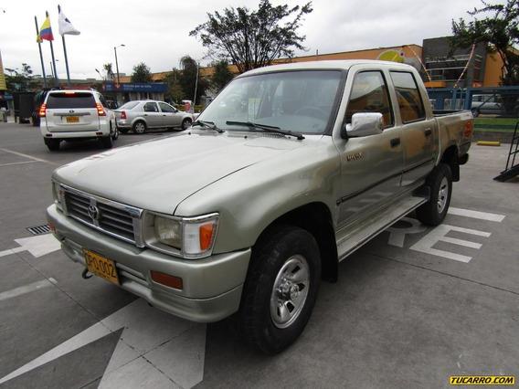 Toyota Hilux Mt 2600 4x4