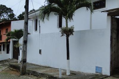 Excelente Casa Na Cidade De Pacoti No Centro.