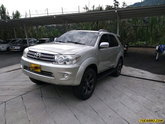 Toyota Fortuner Cr-5