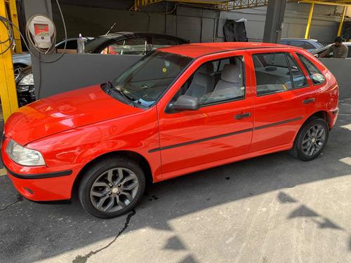 Imagem 1 de 7 de Volkswagen Gol 2001 1.8 5p