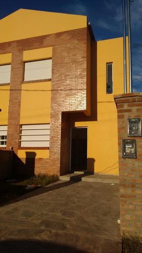 Casa En Venta En La Plata Complejo Don Bosco 42 E/ 135 Y 136 - Dacal Bienes Raices