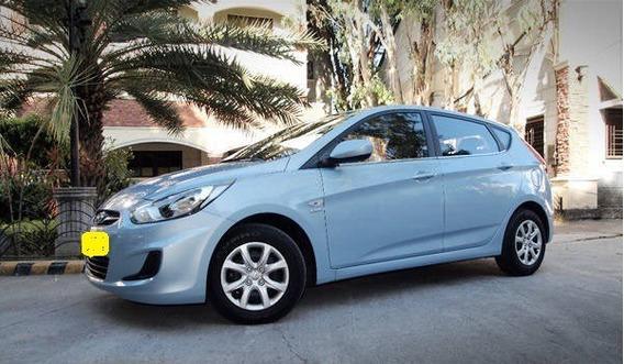 Hyundai Accent Hatchback 2012 - Uso Dama