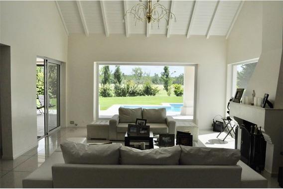 Casa 4 Amb. Hermosa Vista Al Polo Ituzaingo