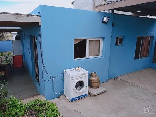Casa De Dos Dormitorios ,estar ,cocina Comedor Y Un Baño