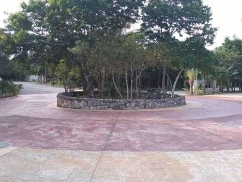 Se Vende Terreno En Fraccionamiento Paseo Del Parque, Playa Del Carmen
