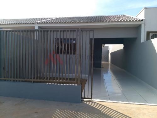 Imagem 1 de 15 de Casa Com 3 Dormitórios, Na Região Do Vale Das Perobas.  - Mi945