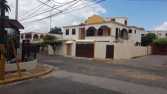 Casa 6 Habitaciones 5 Baños, 4 Vehículo