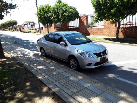 Nissan Versa Versa 2013
