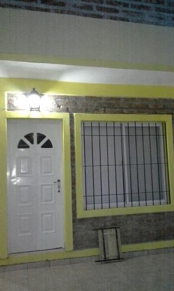 Duplex En Las Grutas Para 4 O 6 Personas. Cerca De La Playa.