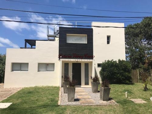 Muy Linda Casa En Manantiales- Ref: 16202