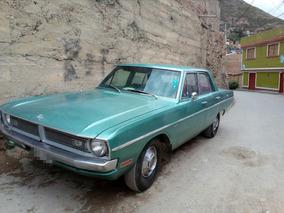 1970 Dodge 4-puertas Verde