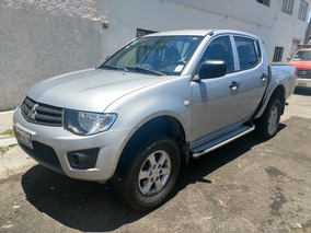 Pickup Mitsubishi L200 Doble Cabina 2012, Impecable