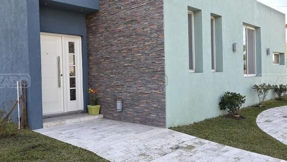 Casa En Alquiler Ubicado En Los Lagos, Nordelta
