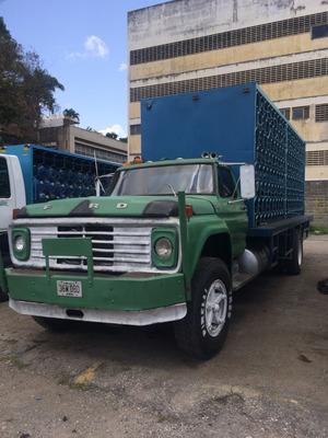 Ford 750 Con Casilleros