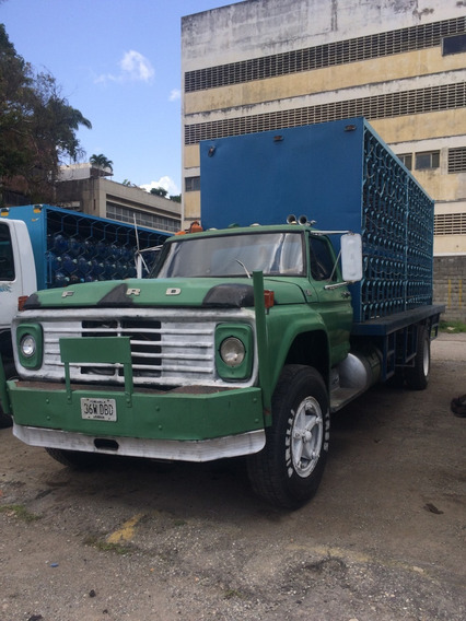 Ford 750 Con Casilleros