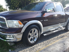 Dodge Ram 2500 5.7 Pickup Crew Cab Laramie 4x2 Mt