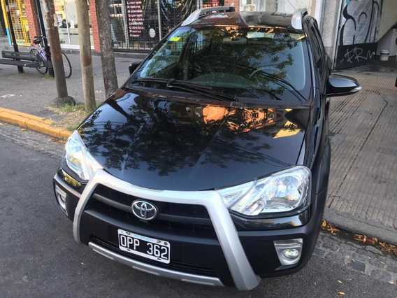 Toyota Etios 1.5 Cross 2015