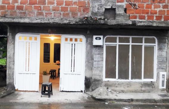 Casa Con Plancha Barrio Independencia