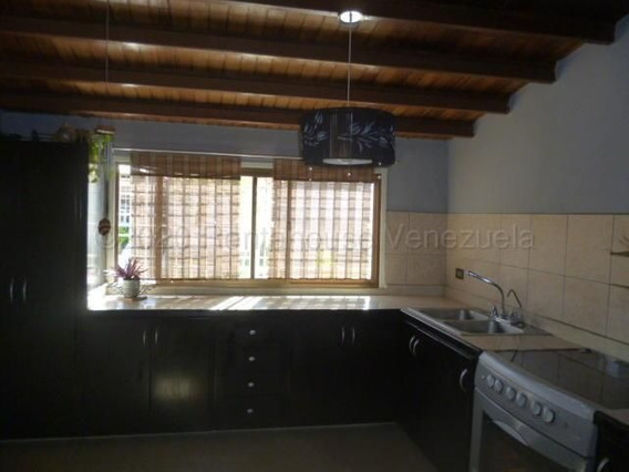 Casas En Venta En La Rosaleda 21-2983 Rg