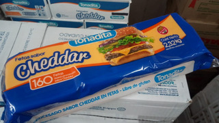Cheddar Feteado Tonadita 2.32kg 160 Fetas