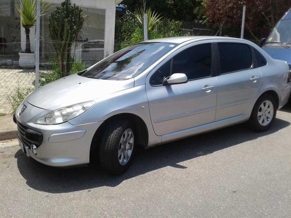 Peugeot Sedã