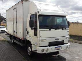 Caminhao Ford Modelo: Cargo 712 - Bau Seco