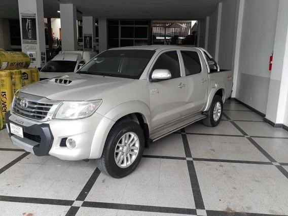 Toyota Hilux 3.0 Cd Srv Cuero L 171cv 4x4 At 1°dueño = Nueva