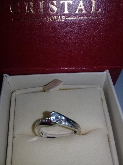 Anillo De Compromiso, En Oro Blanco De 14 K Y Diamantes.