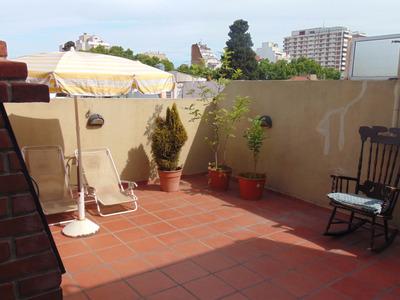 Casa Con Terraza Y Quincho , Inmejorable Zona