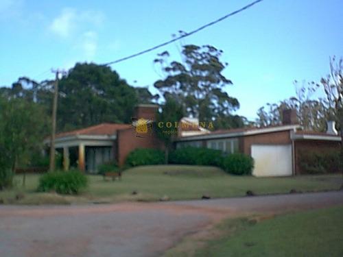Casa En Solanas De 4 Dormitorios A Metros De La Playa. Consulte!!!!!!!!!!!!- Ref: 2346
