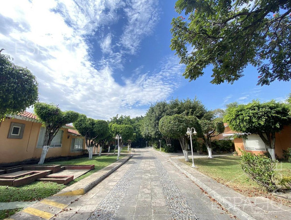 Casa En Condominio - Fraccionamiento Pedregal De Las Fuentes