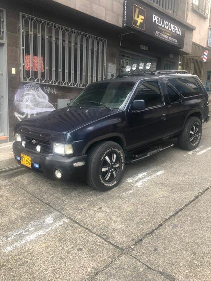 Nissan Pathfinder 92 Full Equipo