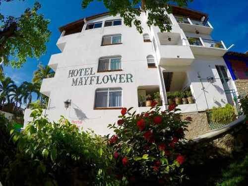 Hotel Mayflower Puerto Escondido, Oaxaca.