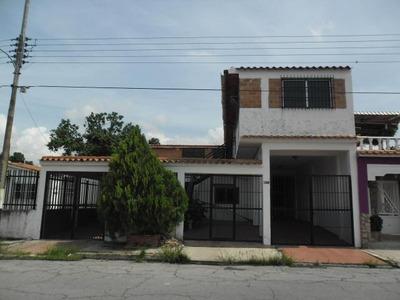 Ptm Casa En Venta Villas Del Centro 300m2 16-8172