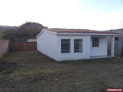 Casas En Venta Vista Real Charallaven (mg)