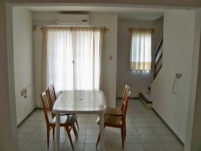 Dúplex De 2 Dormitorios, En Buena Ubicación