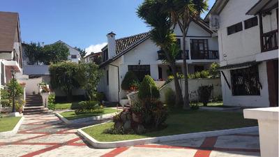 Hermoso Departamento 93m2 + Jardín De 93m2 (con Parqueadero)
