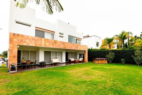 Casa En Venta - Jurica - C1478