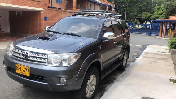 Toyota Fortuner 3.0/ 2011 4x4 Diésel Automático Full Equipo