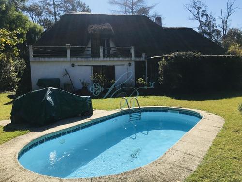 Casa En Venta Y Alquiler, Pinares, Punta Del Este- Ref: 340