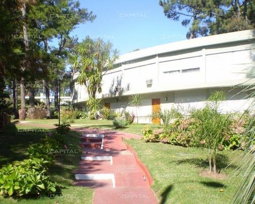 Lindo Apartamento Con Patio Y Buenos Servicios-ref:24804