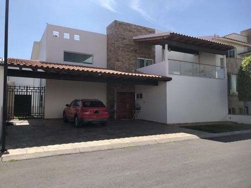 Casa En Renta En Centro Sur