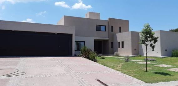 Casa A La Venta En Country La Morada En Villa Allende