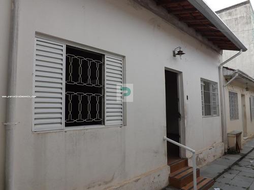 Casa Para Venda Em Mogi Das Cruzes, Centro, 2 Dormitórios, 1 Banheiro - Ca0102_2-1097526