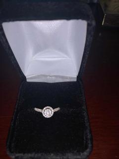 Anillo De Compromiso Oro Blanco Y Más De 60 Diamantes Pequeñ