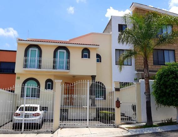 Casa En Renta Arboledas Del Parque