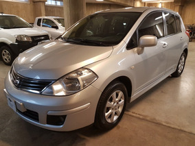 Nissan Tiida 5p 1.8 6mt Tekna 2011